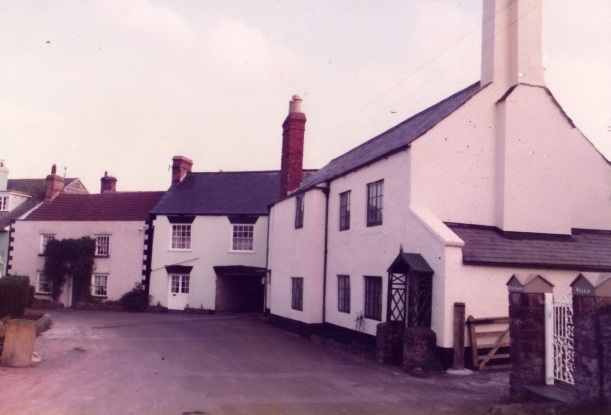Tobias Cottage (old)